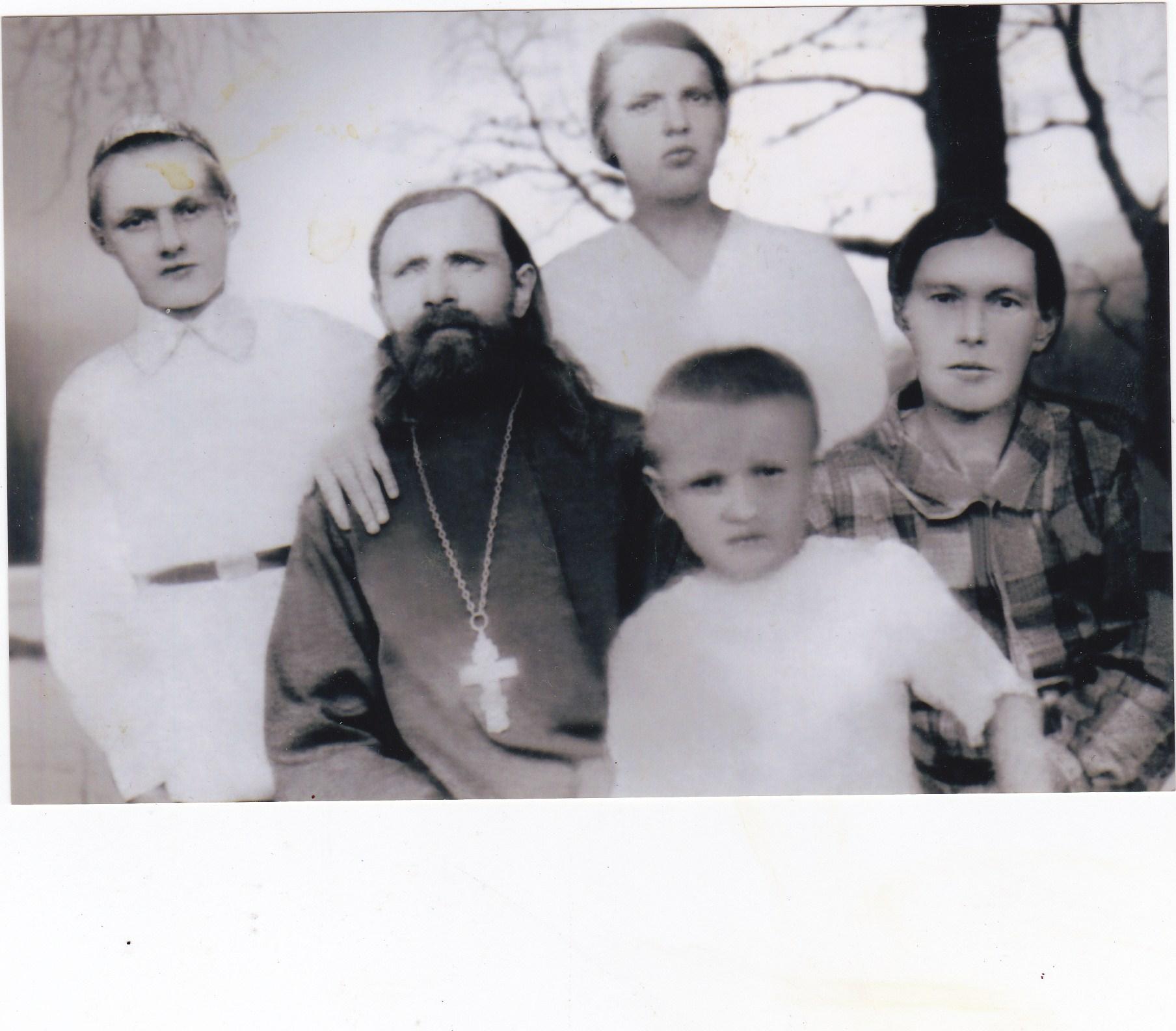 Протоиерей Михаил Прозоров с семьей